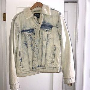Jean jacket with fleece inside